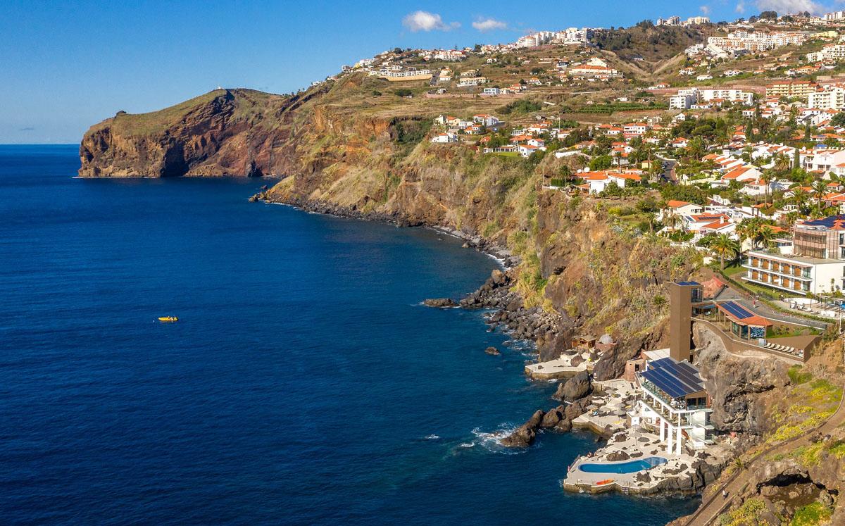 Portugal_Madeira_Hotel Galomar_Ansicht Steilküste_mod